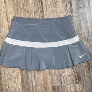 Grey Nike dry fit Tennis Skirt w/ built in shorts